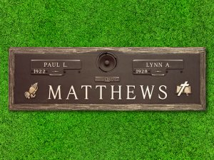 "Crowncrest by Matthews Cemetery Products | Oaklawn Design | 44"" x 14"""